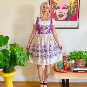 Vintage 70s German dirndl oktoberfest dress XS